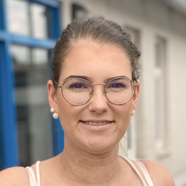 Frau Thiem Antriebstechnik Halle